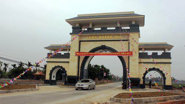 Một xã ở Nghệ An xây cổng làng bằng gỗ quý hơn 4 tỉ đồng - Ảnh 2.