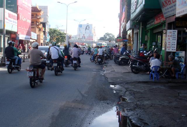 Người Sài Gòn sau đêm mưa lớn - Ảnh 6.