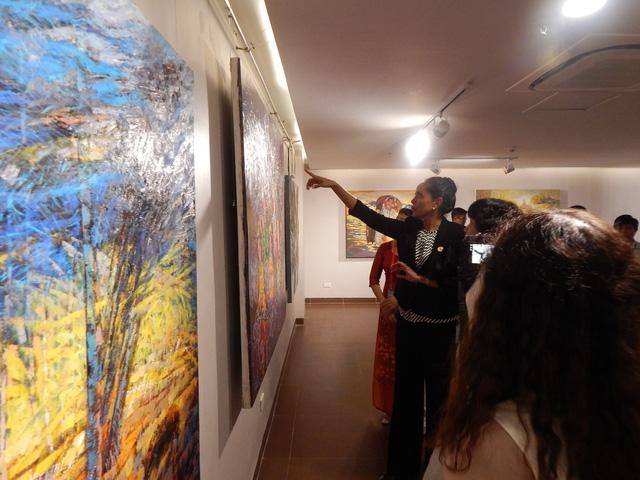 Phu nhân thủ tướng Papua New Guinea thăm Bảo tàng Mỹ thuật Đà Nẵng - Ảnh 6.