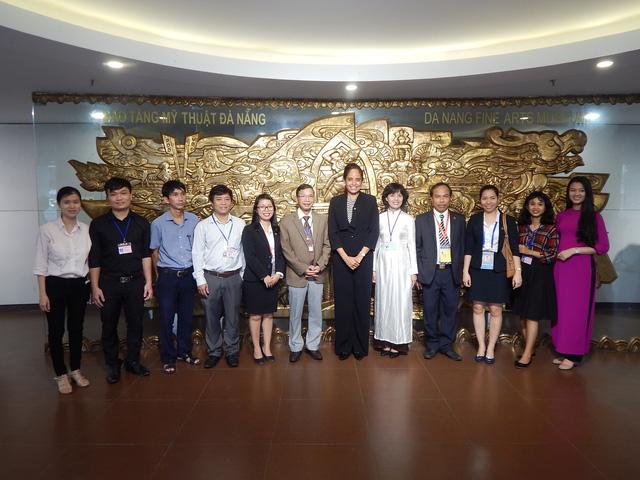 Phu nhân thủ tướng Papua New Guinea thăm Bảo tàng Mỹ thuật Đà Nẵng - Ảnh 9.