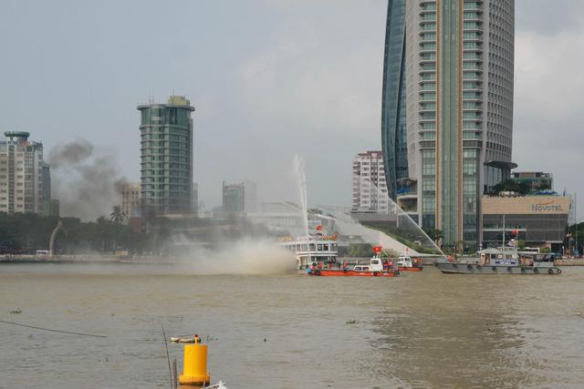 Diễn tập chống khủng bố trên sông Hàn - Ảnh 6.