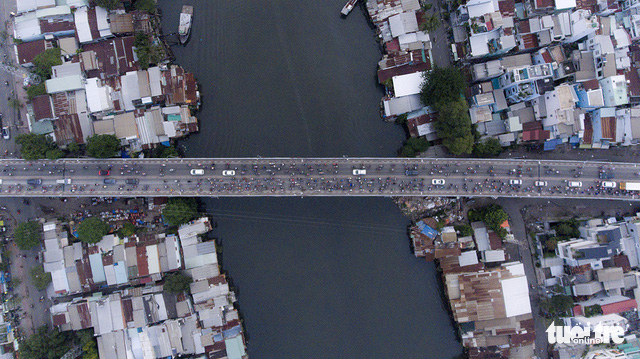 Xe cộ Sài Gòn nhìn từ flycam - Ảnh 11.
