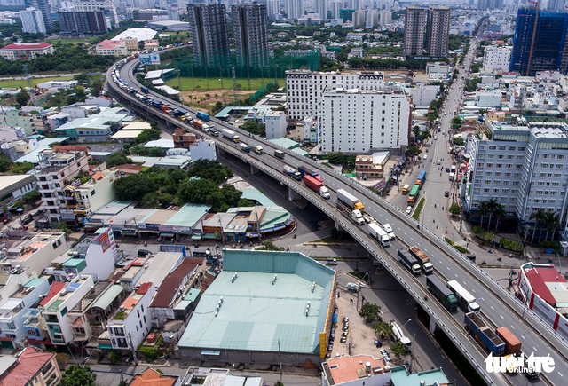 Xe cộ Sài Gòn nhìn từ flycam - Ảnh 7.