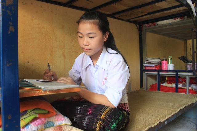 Cô học trò dân tộc Thái mơ làm cô giáo của bản - Ảnh 2.