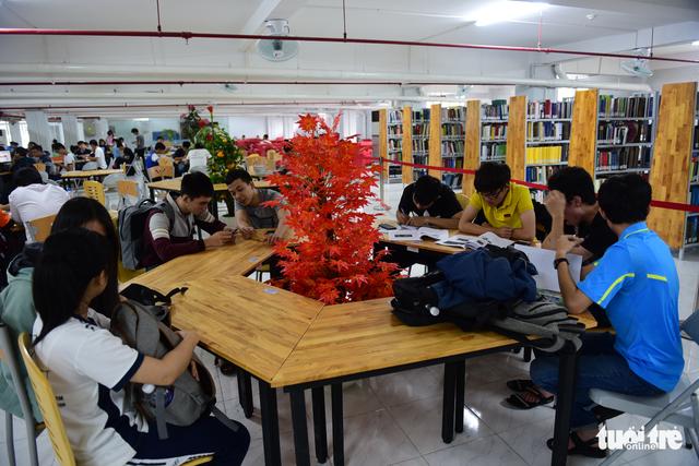 Thư viện có ipad, ghế massage... dành cho sinh viên - Ảnh 4.