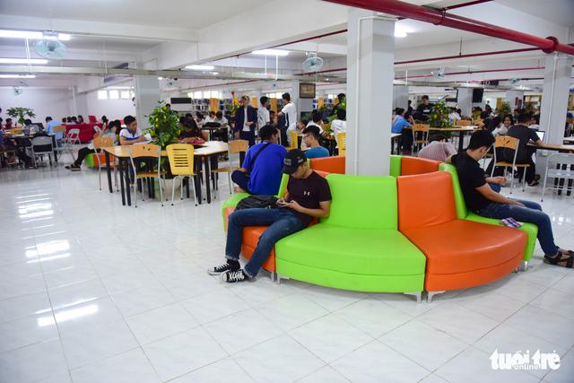 Thư viện có ipad, ghế massage... dành cho sinh viên - Ảnh 14.