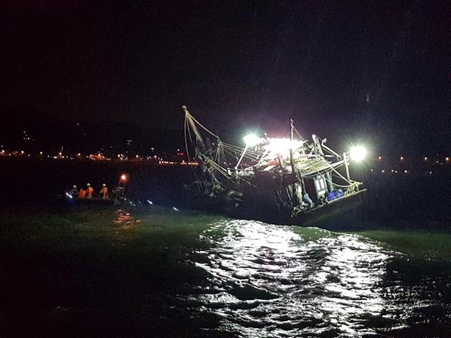 Chìm tàu cá ở Vũng Tàu, 4 ngư dân mất tích - Ảnh 1.