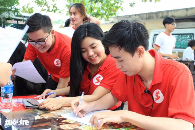 Vừa hiến máu, vừa chụp ảnh phong cách Sài Gòn xưa - Ảnh 5.