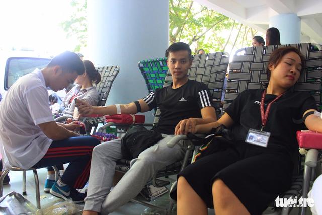 1.200 đơn vị máu từ tấm lòng sinh viên ĐH Tôn Đức Thắng - Ảnh 5.