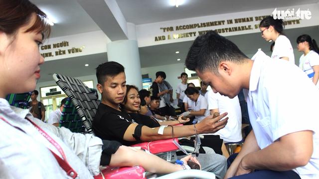 1.200 đơn vị máu từ tấm lòng sinh viên ĐH Tôn Đức Thắng - Ảnh 7.