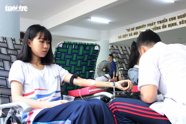 1.200 đơn vị máu từ tấm lòng sinh viên ĐH Tôn Đức Thắng - Ảnh 4.