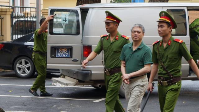 Nguyễn Xuân Sơn kêu cứu tội tham ô, muốn nộp lại tài sản - Ảnh 1.