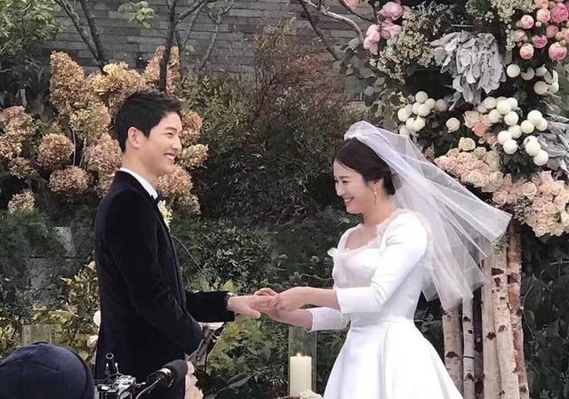 Những điều khiến fan phát điên trong đám cưới Song - Song - Ảnh 5.
