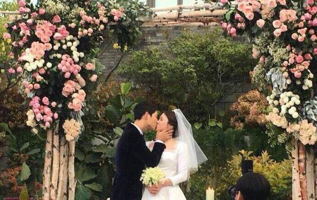 Những điều khiến fan phát điên trong đám cưới Song - Song - Ảnh 6.