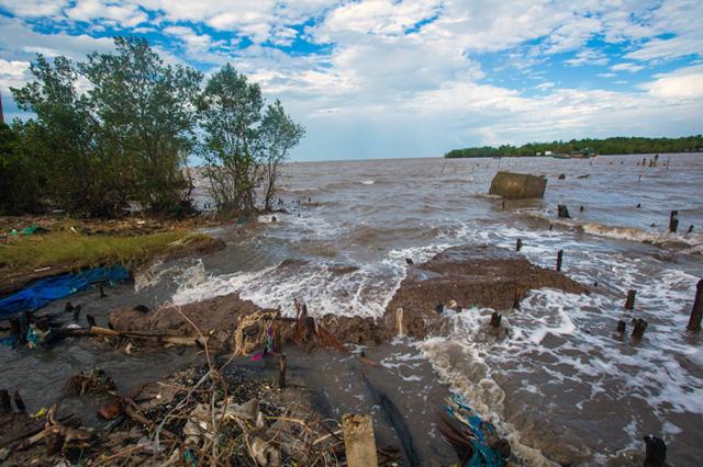 Sạt lở đe dọa tương lai Đồng bằng sông Cửu Long - Ảnh 1.