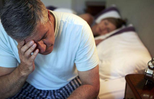 Những tác động nguy hiểm đến sức khỏe do chứng mất ngủ - Ảnh 1.