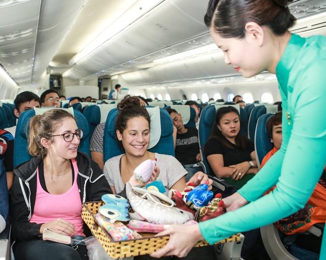 Vietnam Airlines đón trung thu với Chuyến bay yêu thương - Ảnh 4.