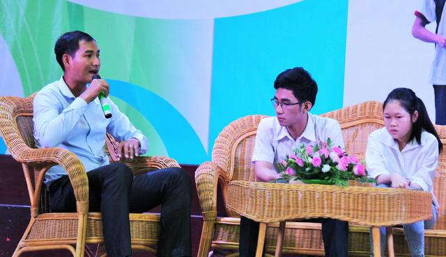 Tiếp sức tân sinh viên Bến Tre, Tiền Giang đến trường - Ảnh 5.