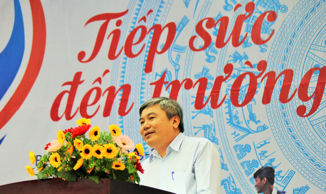 Tiếp sức tân sinh viên Bến Tre, Tiền Giang đến trường - Ảnh 3.