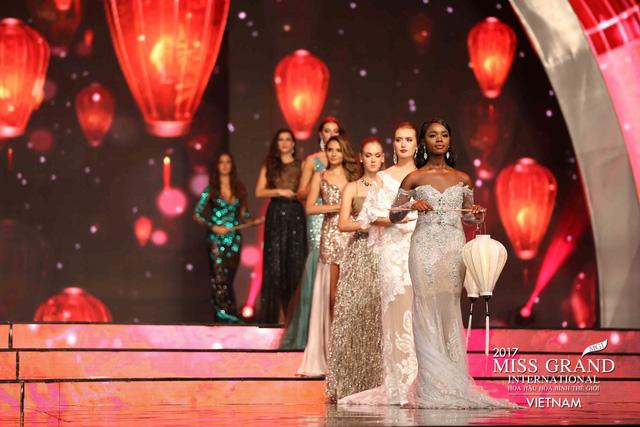 Hoa hậu Peru đoạt vương miện Hoa hậu Hoà bình thế giới 2017 - Ảnh 4.