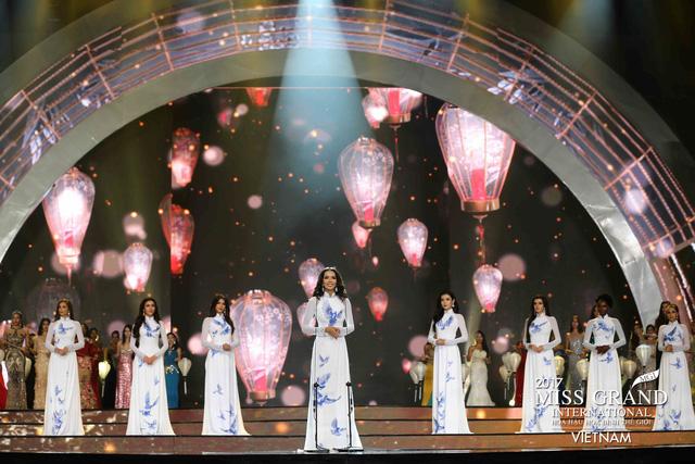 Hoa hậu Peru đoạt vương miện Hoa hậu Hoà bình thế giới 2017 - Ảnh 3.