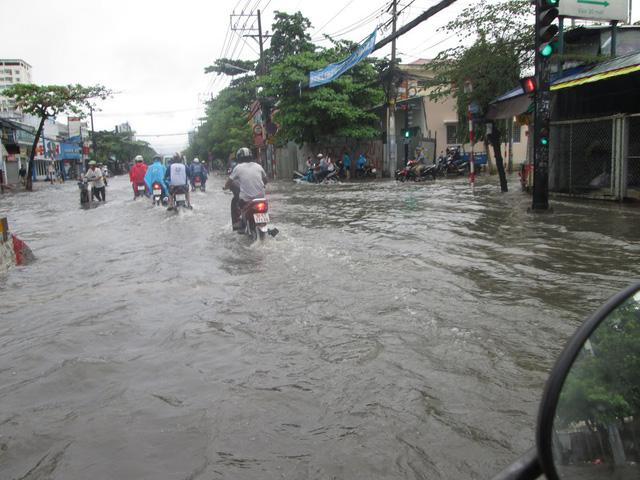 Khởi công dự án chống ngập đường Huỳnh Tấn Phát - Ảnh 2.