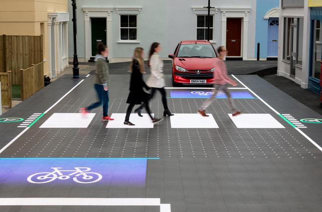 Đường đèn LED giúp người đi bộ an toàn hơn - Ảnh 2.
