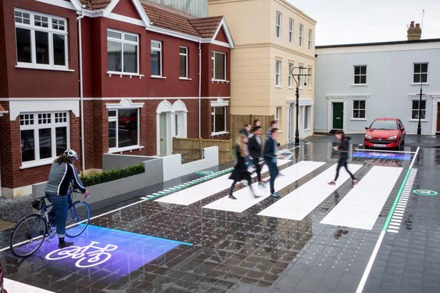 Đường đèn LED giúp người đi bộ an toàn hơn - Ảnh 5.