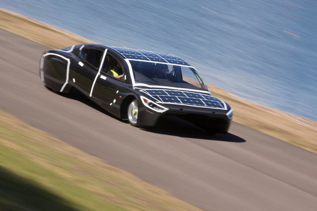 Ngắm những chiếc xe năng lượng mặt trời độc đáo - Ảnh 5.
