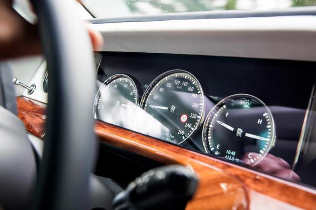 Ngắm siêu phẩm Rolls-Royce Phantom 2017: đẹp không tì vết - Ảnh 8.