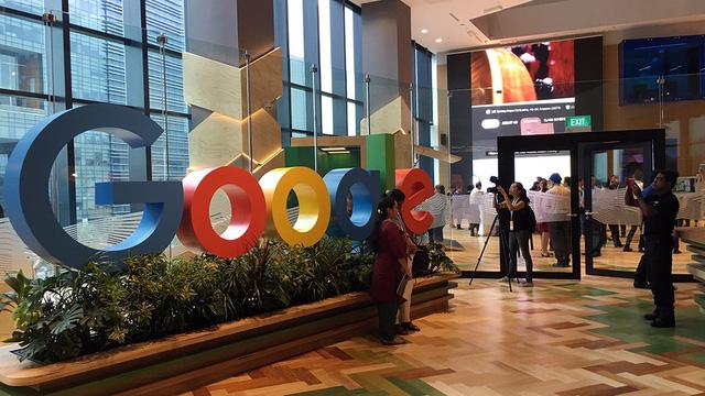 Facebook, Google có bỏ Việt Nam vì quy định đặt máy chủ? - Ảnh 3.