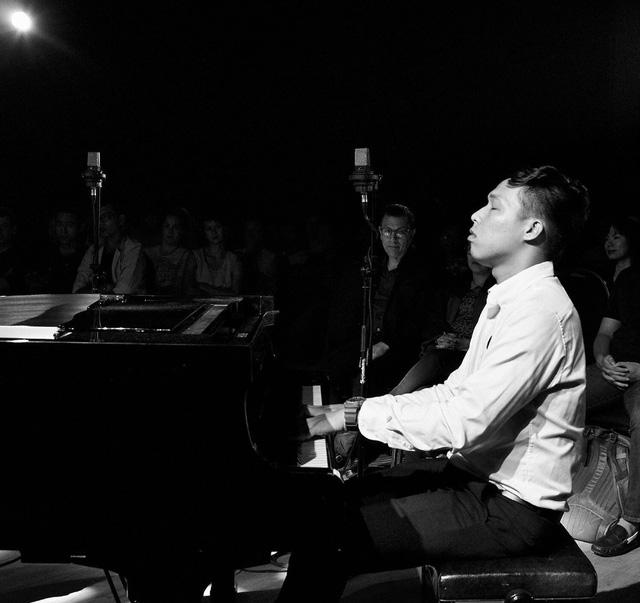 9x kiếm hàng ngàn đô la mỗi tháng từ nhạc jazz - Ảnh 1.