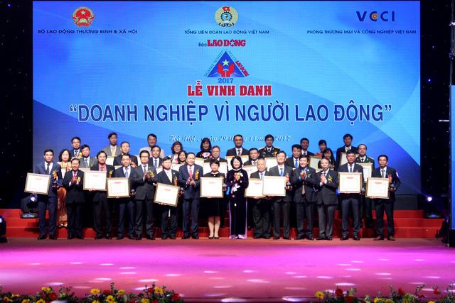 Vinh danh 74 doanh nghiệp vì người lao động năm 2017 - Ảnh 1.
