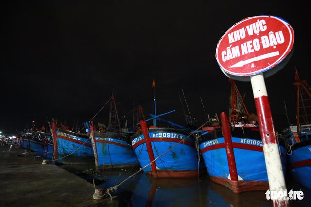 Làng biển Phan Rang không ngủ trước bão lớn - Ảnh 3.