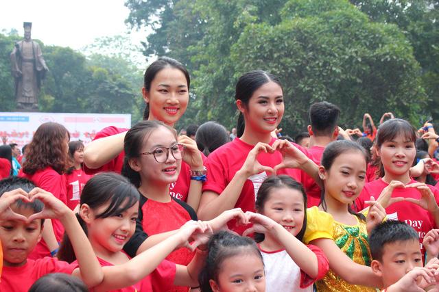Hoa hậu Ngọc Hân hòa nhịp cùng Nhảy! Vì sự tử tế 2017 - Ảnh 1.