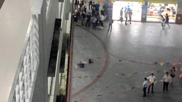 Nam sinh viên tử vong tại trường do mảng bêtông rơi trúng - Ảnh 1.