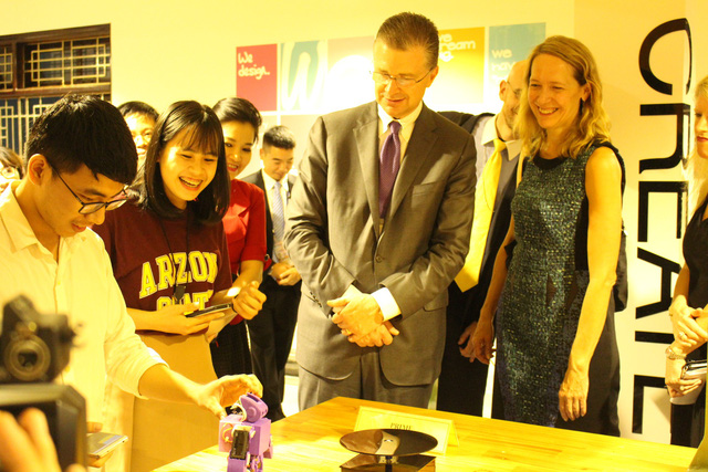 Tân đại sứ Hoa Kỳ tại Việt Nam thăm Đại học Đà Nẵng - Ảnh 3.
