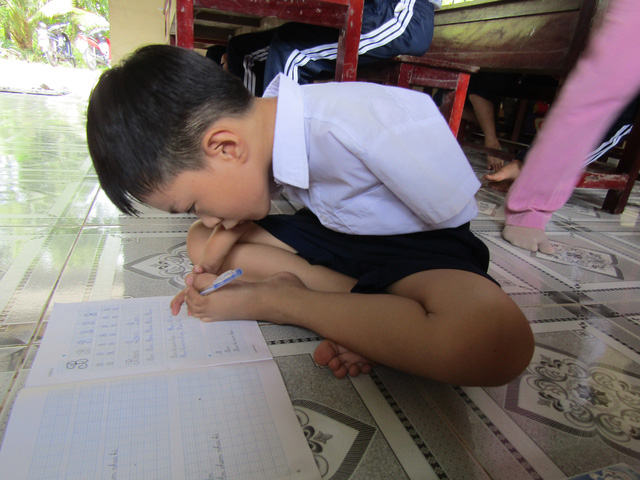 Cậu bé dị tật và ước mơ xây nhà cho trẻ khuyết tật - Ảnh 1.