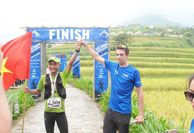 Người Việt đầu tiên vô địch cuộc thi marathon 100km ở Sa Pa - Ảnh 4.
