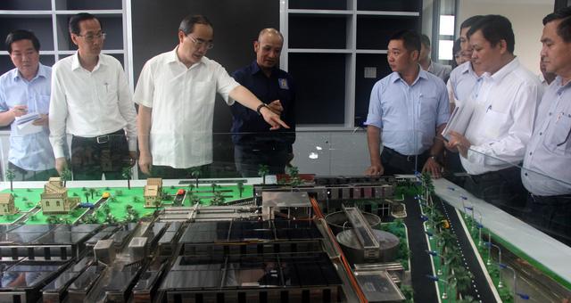 Vận hành nhà máy xử lý nước thải sử dụng năng lượng mặt trời đầu tiên ở TP.HCM - Ảnh 1.