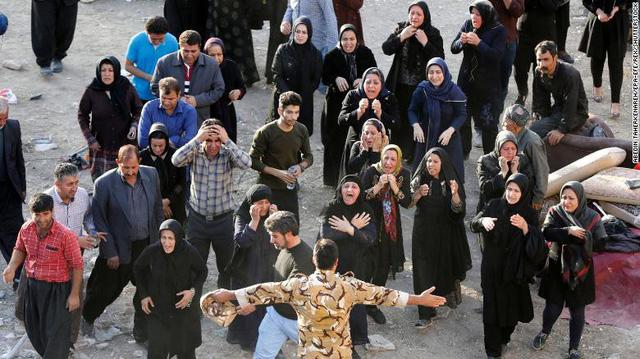 Nhiều ngôi làng ở Iran biến mất sau động đất - Ảnh 4.