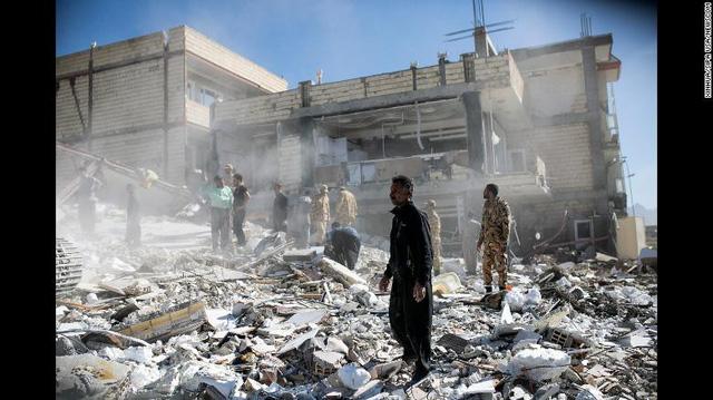 Nhiều ngôi làng ở Iran biến mất sau động đất - Ảnh 2.