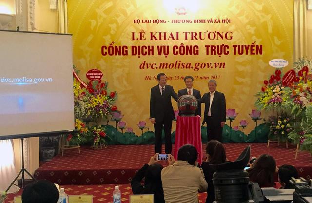 Khai trương cổng dịch vụ công trực tuyến về LĐ-TB-XH - Ảnh 1.