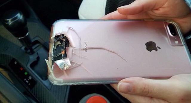Cô gái thoát chết ở Las Vegas nhờ iPhone - Ảnh 1.