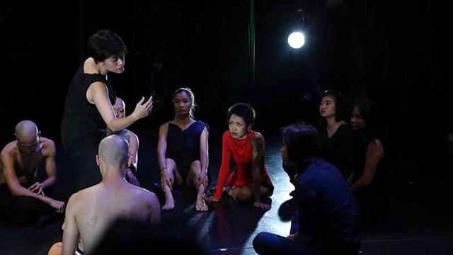 Tấn Minh và Nhà hát ca múa nhạc Thăng Long: bước ra thị trường - Ảnh 2.