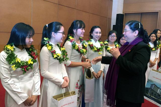 Phó chủ tịch Quốc hội tôn vinh gương mặt Quả Cầu Vàng - Ảnh 1.