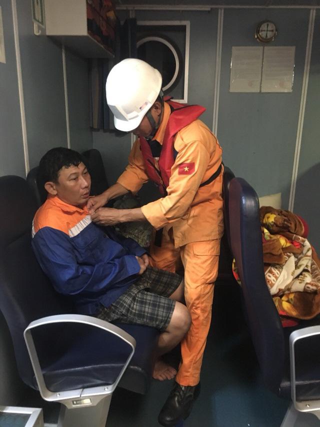Chìm tàu cá ở Vũng Tàu, 4 ngư dân mất tích - Ảnh 3.