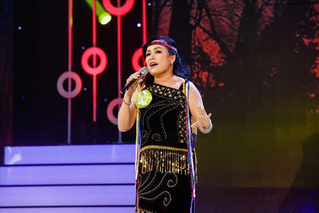 Tuấn Ngọc hát Như đã dấu yêu ở chung kết Tiếng hát mãi xanh - Ảnh 3.