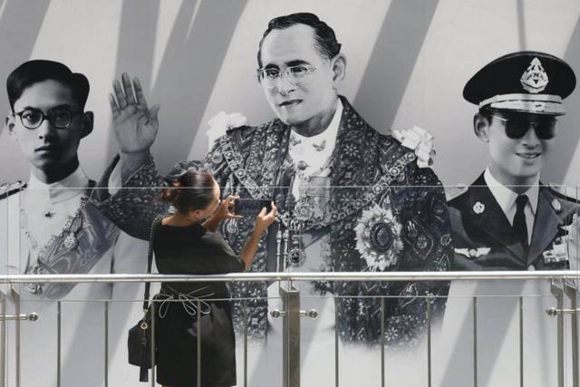 Thái Lan tập dượt tổ chức lễ tang nhà vua Bhumibol Adulyadej - Ảnh 2.