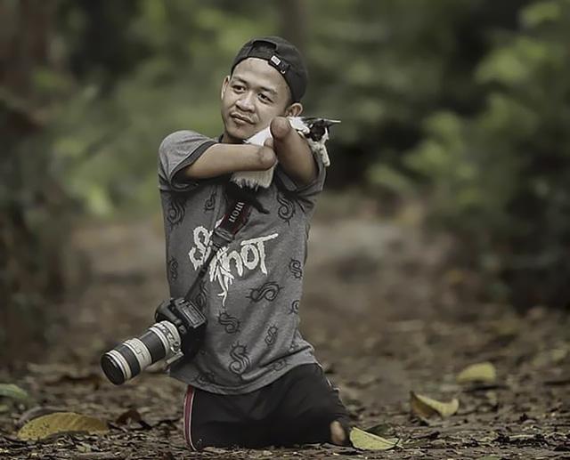 Chàng trai không chân tay vẫn là nhiếp ảnh gia chuyên nghiệp - Ảnh 4.